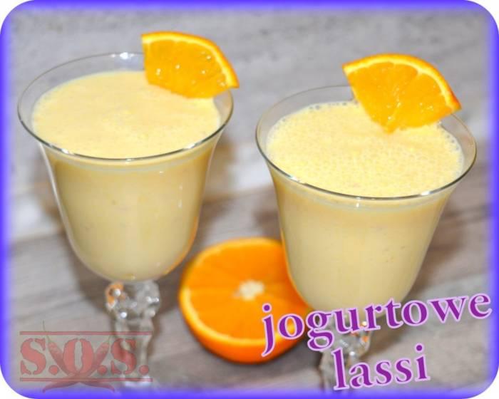 Pomarańczowy napój jogurtowy (lassi) | Blog Kulinarny