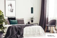 Oświetlenie wiszące BOLONIA to oryginalna lampa o podłużnym kształcie, która dzięki minimalistyc ...