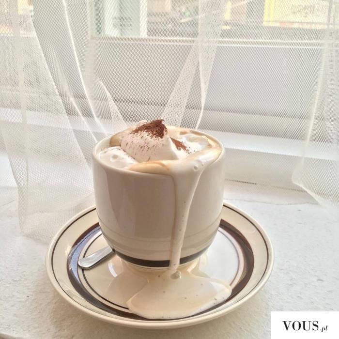 kawa z bitą śmietaną / Kawa po wiedeńsku