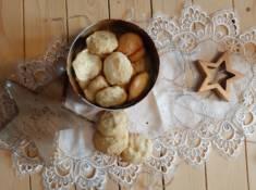Amerykańskie ciasteczka z białą czekoladą i migdałami | AleTorcik! – przepisy na pyszne, d ...