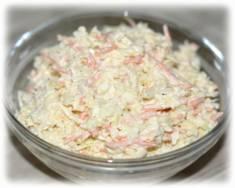 Surówka z białej kapusty ze śmietaną – Kulinarne S.O.S.