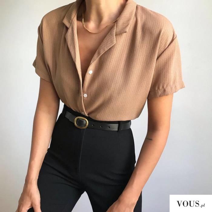 beżowa koszula do czarnych spodni