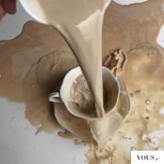 rozlana kawa