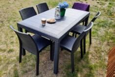 Krzesła z technorattanu to wygodne rozwiązanie na każdy taras. Krzesła mają lekką konstrukcję a  ...