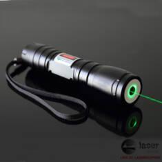 レーザーポインター 強力緑200mwレーザーポインター 懐中電灯式 緑200mwレーザーポインターの詳細: 材 ...