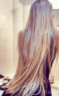 Bardzo długie włosy! Jak o nie dbać?
