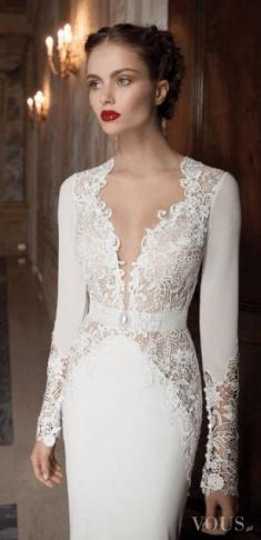 Śliczna koronkowa suknia ślubna, idealnie dopasowana do sylwetki