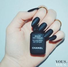 Matowy lakier od Chanel
