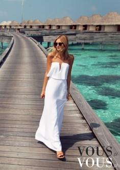 Sesja zdjęciowa w białej sukni, sesja na molo, ocean i piękna modelka