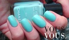 Turkusowy lakier do paznokci Chanel