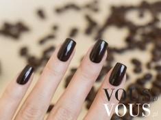 Stylowy czarny lakier do paznokci