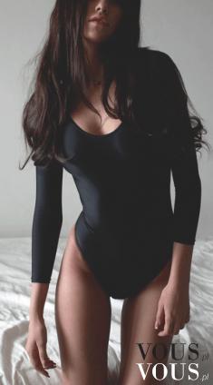Piękna figura w czarnym body