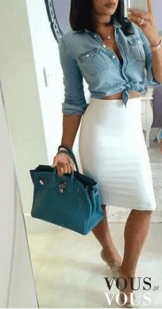 Elegancka stylizacja z obcisłą spódnicą za kolano