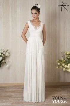 prosta delikatna suknia ślubna