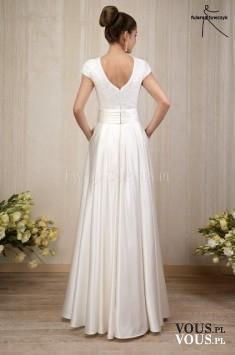 prosta skromna suknia ślubna