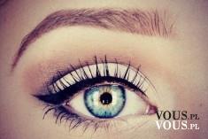 Piękna kreska zrobiona eyelinerem, kto lubi malować kreski, jak zrobić koci make up