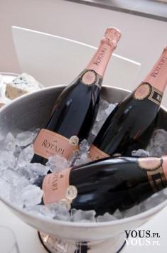 Schłodzony szampan- pychota. Alkohol na specjalne okazje