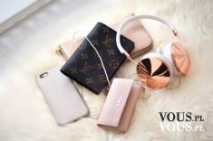 dodatki blogerki, słuchawki, iPhone, portfel