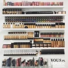 Kosmetyki. Kosmetyki i akcesoria do makijażu.
