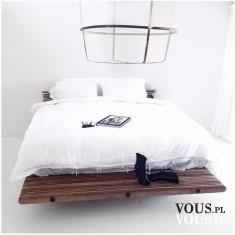 Stylowe łóżko, elegancki wystrój sypialni, biała narzutka
