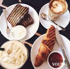 kawa mrożona, croissant, cappuccino, ciasto, francuskie śniadanie