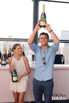 Para z szampanem