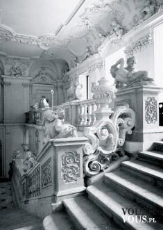 zabytkowe wnętrze, zabytkowe schody