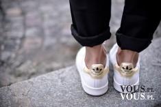 białe buty adidas