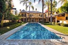 piękny dom z ogrodem i basenem