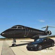 czarny samochód, czarny odrzutowiec, prywatny samolot