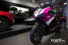 różowy motocykl, motor dla dziewczyny