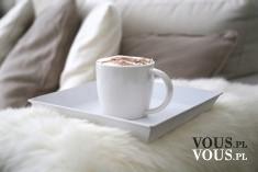 Popołudniowa kawa, chwila odpoczynku przy kawie, przerwa na kawę