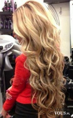 Piękna kobieca fryzura z długich włosów, fryzura na specjalne okazje, fryzury wieczorowe