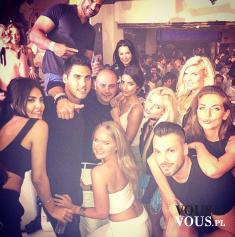 Selfie z przyjaciółmi, party, a Wy jak spędzacie weekend?