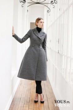 Rozkloszowany płaszcz, szary płaszcz, ciepły płaszcz na zimę, elegancki kobiecy płaszcz