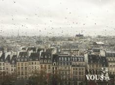 Kamienice Paryża w deszczu