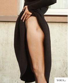 Szczupłe nogi. kobiece biodra.