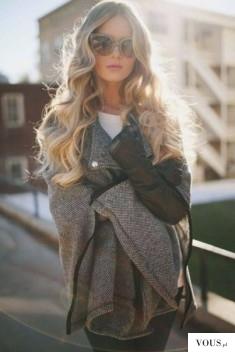 Piękne blond długie kręcone włosy. Jak dbać o blond fryzurę?