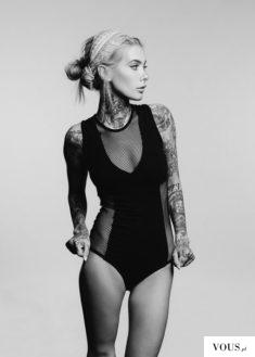 Przepiękna modelka z tatuażami