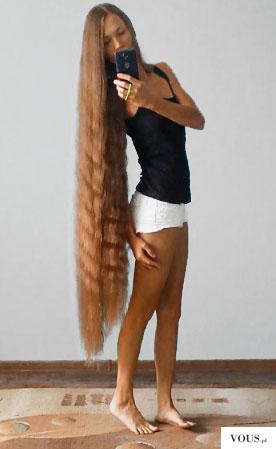 Piękne długie włosy Rosjanki