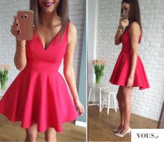 Piękna malinowa sukienka na tiulowej podszewce.  Dostępna na www.illuminate.pl
