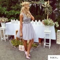 Tiulowa sukienka z gipurą. weselny klimat :)349 złwww.illuminate.pl
