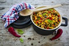 Kasza jaglana z wołowiną i warzywami – MenMagazine