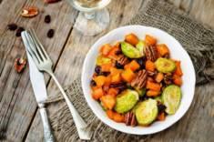 Karmelizowana brukselka z dynią – CookMagazine