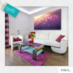 Obraz w pięknej fioletowej aurze z motywem kwiatów delikatnie otulonych słońcem. Ozdobę polecamy ...