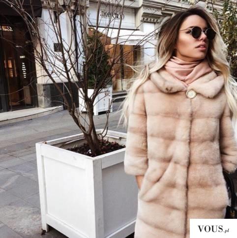 Płaszcz futrzany inaczej   faux fur coat   искусственный мех пальто