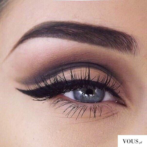 przepiękny idealny makijaż oka