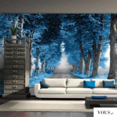 Piękna lipowa aleja w kolorze kobaltowym. Dekoracja nadaje niesamowitego efektu w pomieszczeniu.