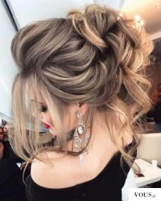 upięcie ślubne włosów