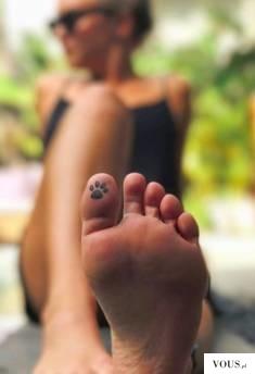 Tatuaż na palcu po wewnętrznej stronie